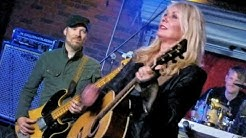 Nancy Wilson joins Nuno Bettencourt & Friends at Soundcheck Live in Hollywood