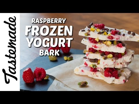 Raspberry Frozen Yogurt Bark l Jen Phanomrat