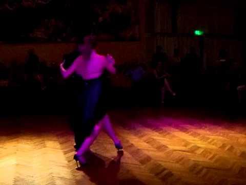Tango daniel boujon y tamara diaz exhibicion de tango for A puro tango salon canning
