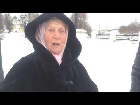 Безумная бабуля читает матные стихи