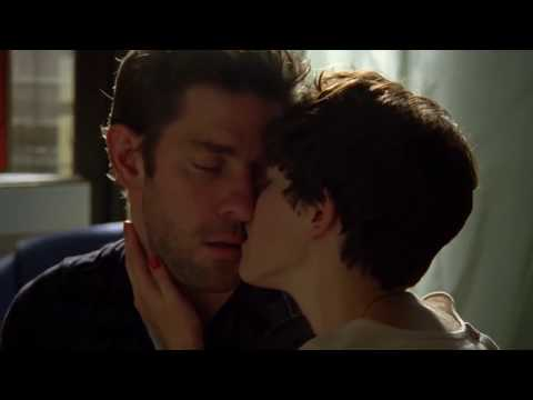 John Krasinski and Olivia Thirlby  First kiss  Nobody Walks 2012