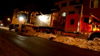 EVENING SNOW REMOVAL OP IN MONTREAL QUEBEC