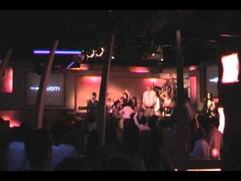 sexy bitch - david guetta (cover) - H2O band live hongkong party