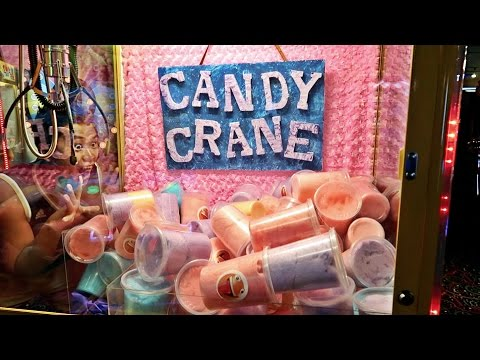 FOUND A COTTON CANDY CLAW MACHINE!!!