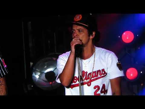 Bruno Mars, Uptown Funk, Quito - Ecuador, 2 diciembre 2017
