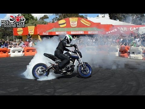 Dave McKenna Stunt Riding - Turbo Yamaha MT09 [Perth Motorcycle Show]