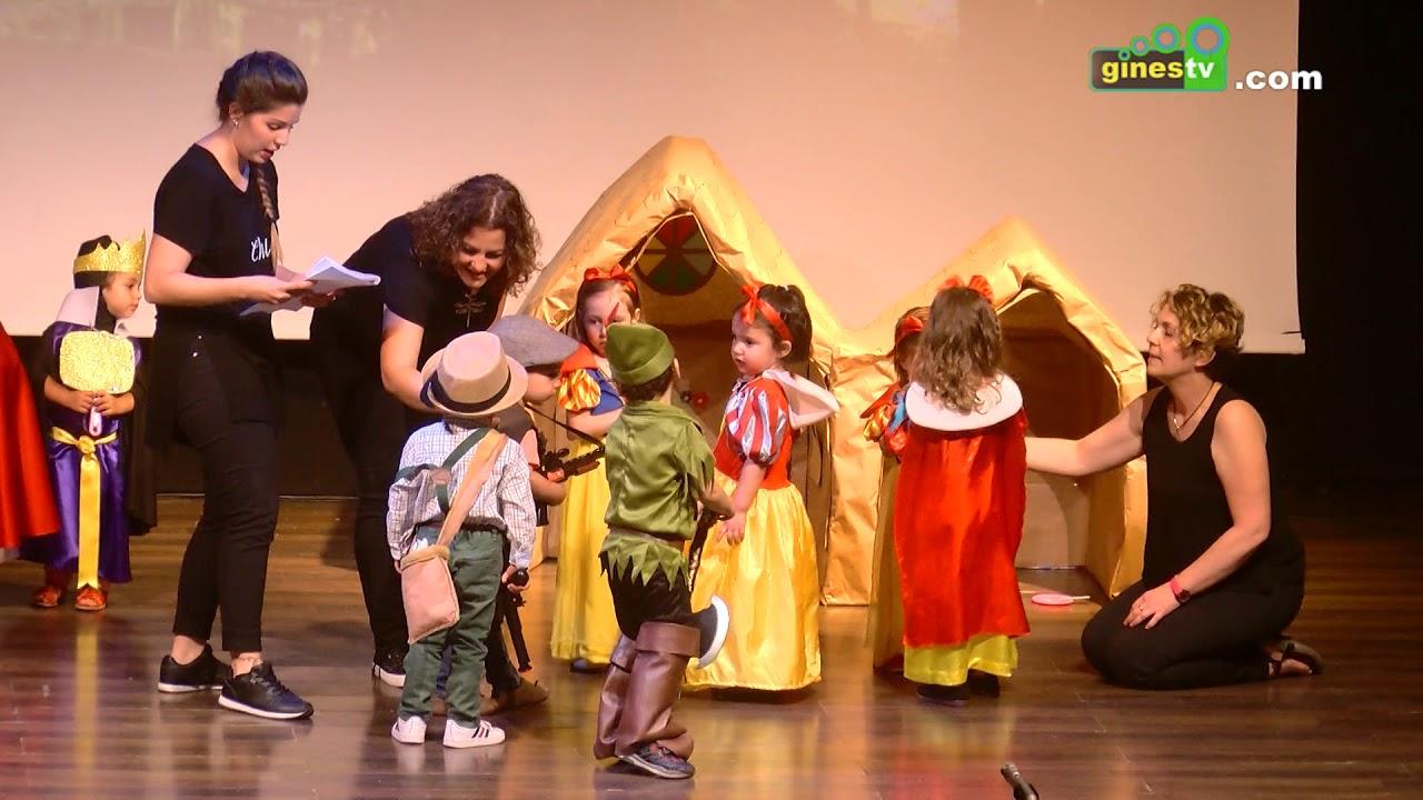 Representación teatral de la Escuela Municipal Infantil 'Las Carmelas' de Gines
