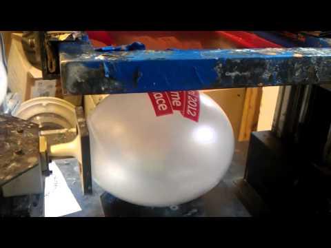 Screen printing latex balloons
