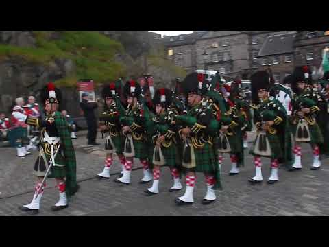 Edinburgh Castle Clans Parade - Wallace Pipes and Drums , Malta