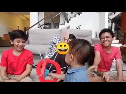 Permainan Tusuk Balon Denny Martin Dan Bocah2 Kids Brother