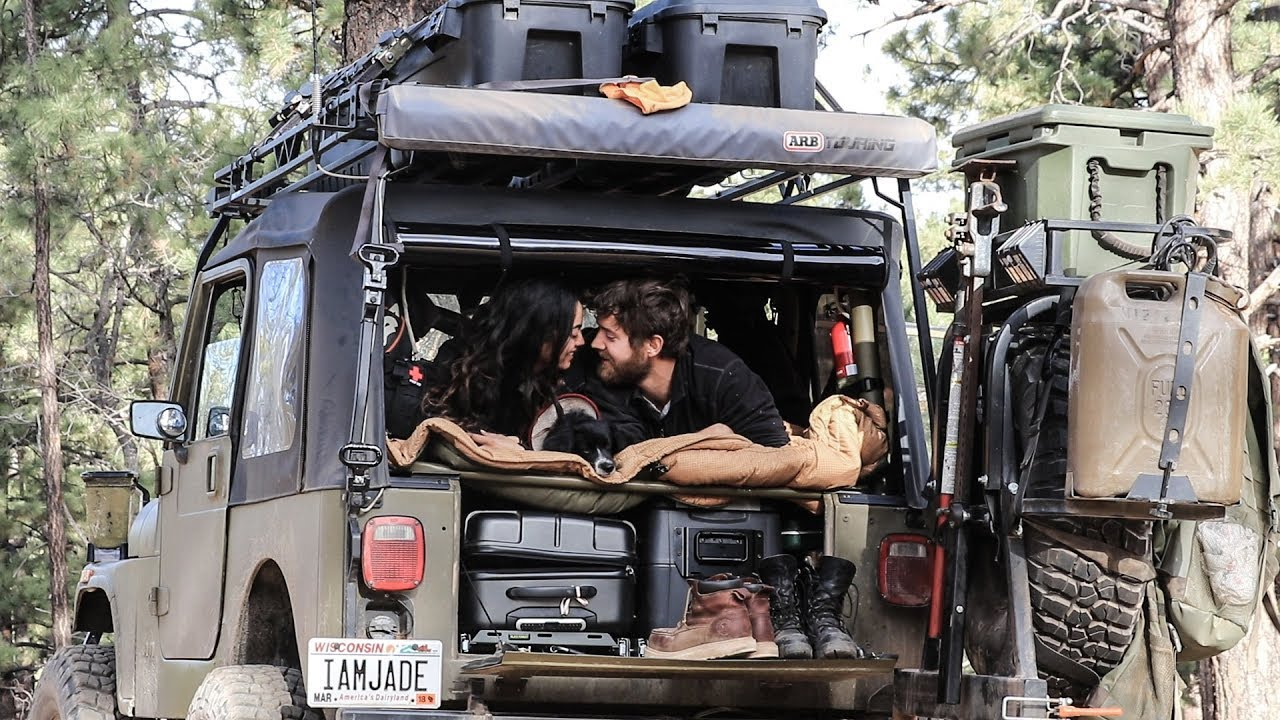 2 PEOPLE LIVING IN A JEEP WRANGLER - YouTube