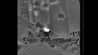 Кадры ночной атаки российских ВВС на позиции боевиков в Сирии