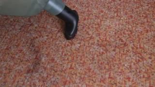 Обзор пылесоса BOSCH Easy Vac 12 работа с ворсовой щеткой на мягкой мебели