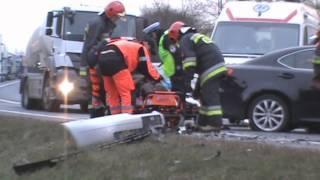 akcja ratunkowa wypadek na dk7 w ostrdzie 21 12 2013 r