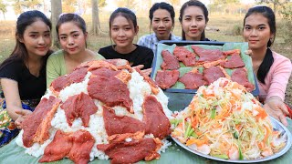 Yummy cooking cooking beef fried with papaya salad recipe