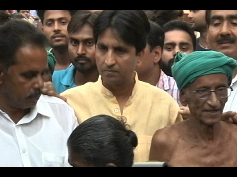 Kumar Vishwas to leave Aam Aadmi Party?
