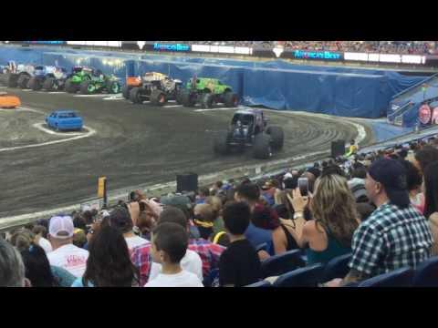 Monster Jam Foxborough, MA 2017: National Anthem, Intros, & Racing Round One