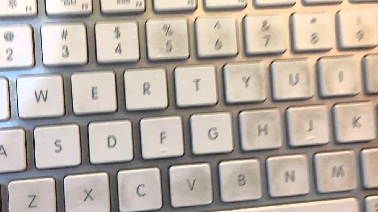 how to keep macbook keyboard clean