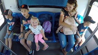✈️ FLYING ON AN AIRPLANE WITH FOUR KIDS - TRAVELING WITH A BIG FAMILY 🌉