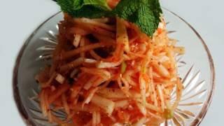 White radish salad (Musaengchae:무생채)