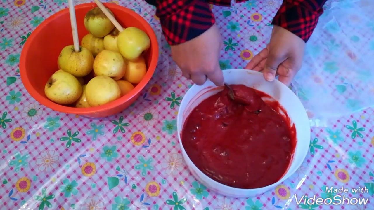 Manzanas Cubiertas de Chamoy y Miguelito / Queens of Flavor - YouTube