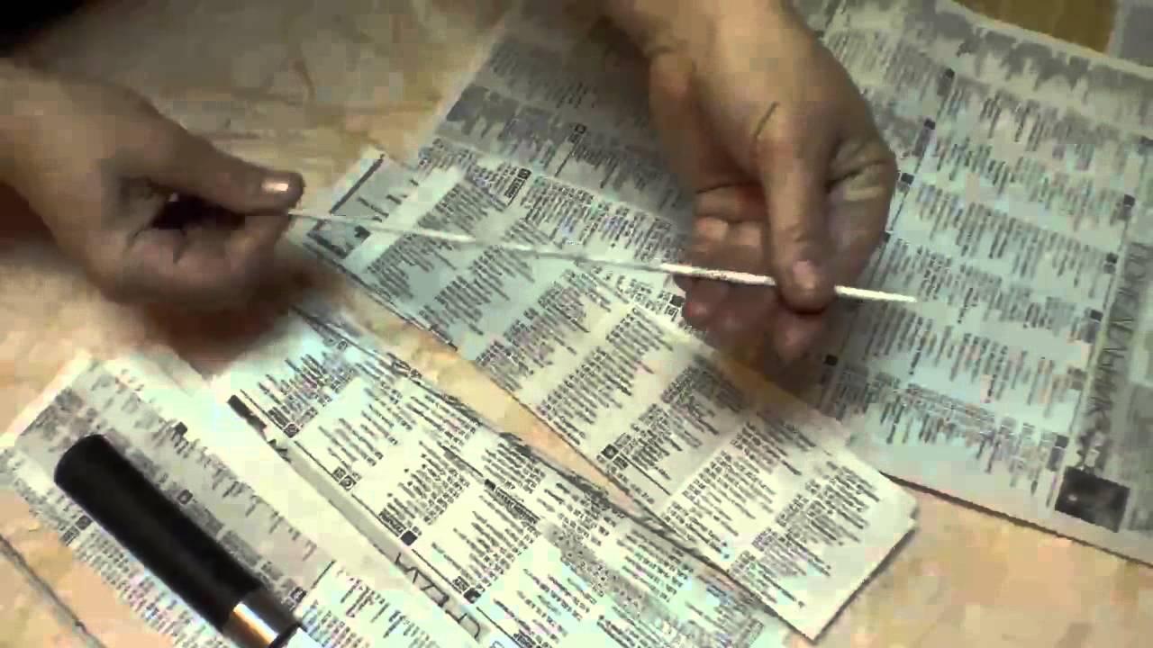 Видео как крутить трубочки из газет