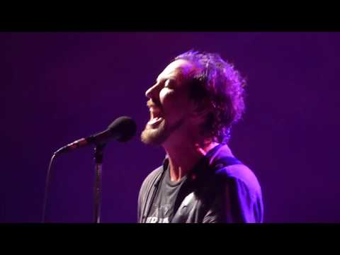 Pearl Jam - Masters of War - Wrigley Field (August 20, 2016)