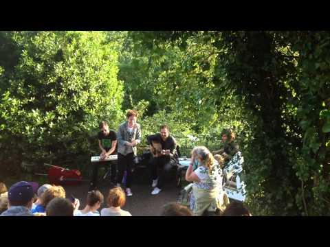 Bastille - What Would You Do? (Acoustic) live @ Bristol Suspension Bridge