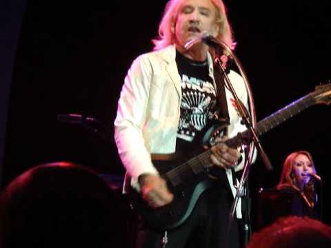 5 rocky mountain way joe walsh live in concert pittsburgh stage ae 6 2 2012 youtube. Black Bedroom Furniture Sets. Home Design Ideas