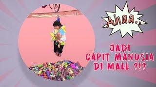 Download Video WOW..Jadi Mesin CAPIT MANUSIA diMALL ?!? MP3 3GP MP4