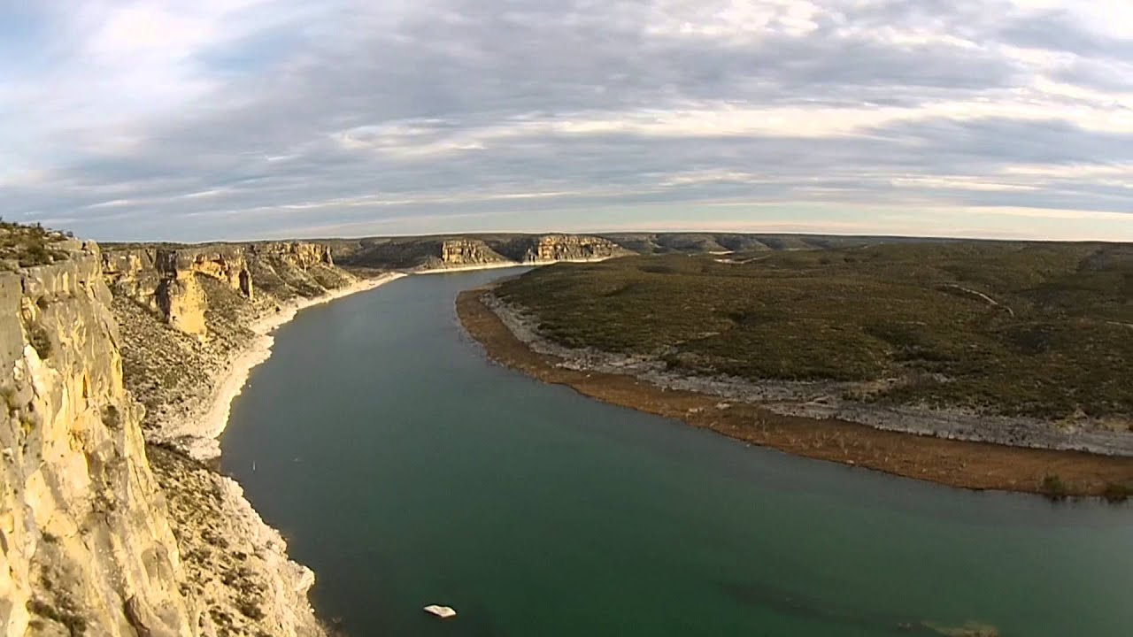 Chalk bluff cliffs on the nueces river uvalde tx trips for Lake amistad fishing
