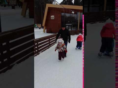 Наши успехи на коньках, в 4 годика