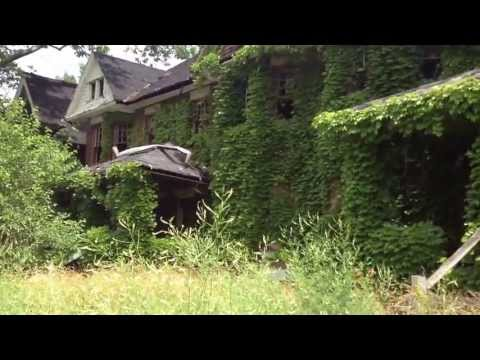 PLANTS EATING a block in EAST CLEVELAND! Ghetto tour of the HOOD JULY 2013 part 2
