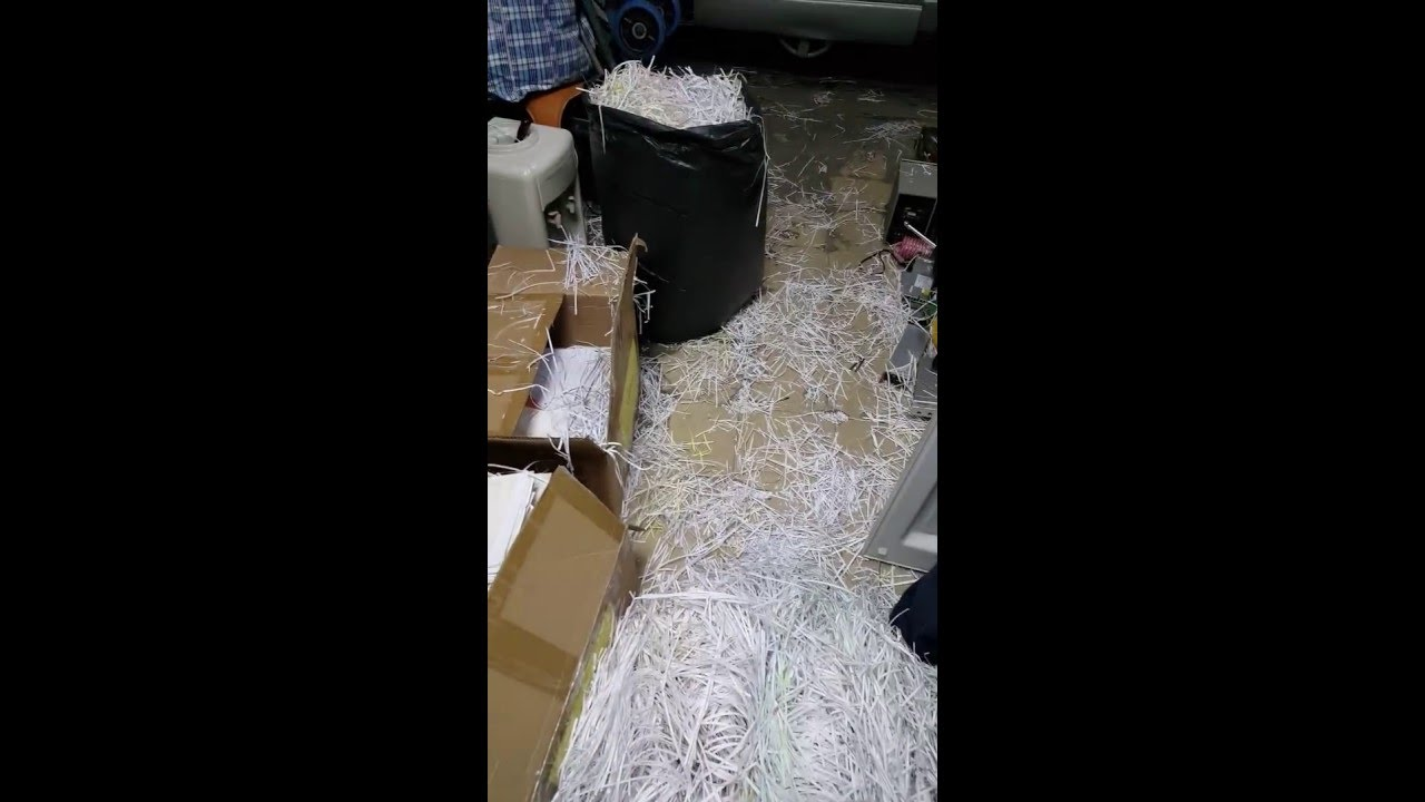 717.COM.HK碎紙服務,包含紙類書面文件及其他非紙類物品,讓您不用再為了機密資料保存是否安全不外洩而煩惱。銷毀文件的唯一選擇方法,以最嚴格的規範處理客戶的重要機密文件,特別委請國內機械製造廠開發全自動文件銷毀設備,公家機關資料銷毀廢紙銷毀回收集各類資源回收 - 永昌行