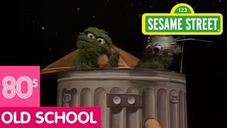 Sesame Street: Oscar Goes to the Moon