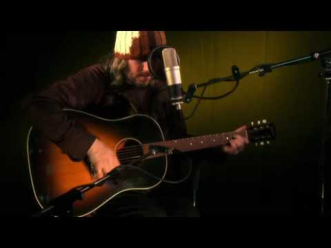 Badly Drawn Boy performs The Shining