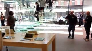 Apple store 14 st 9 ave