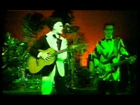 Split Enz  Bold As Brass live 77
