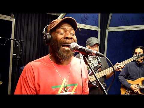 Radio recording - Clinton Fearon & Boogie Brown band @ RFI (part1)
