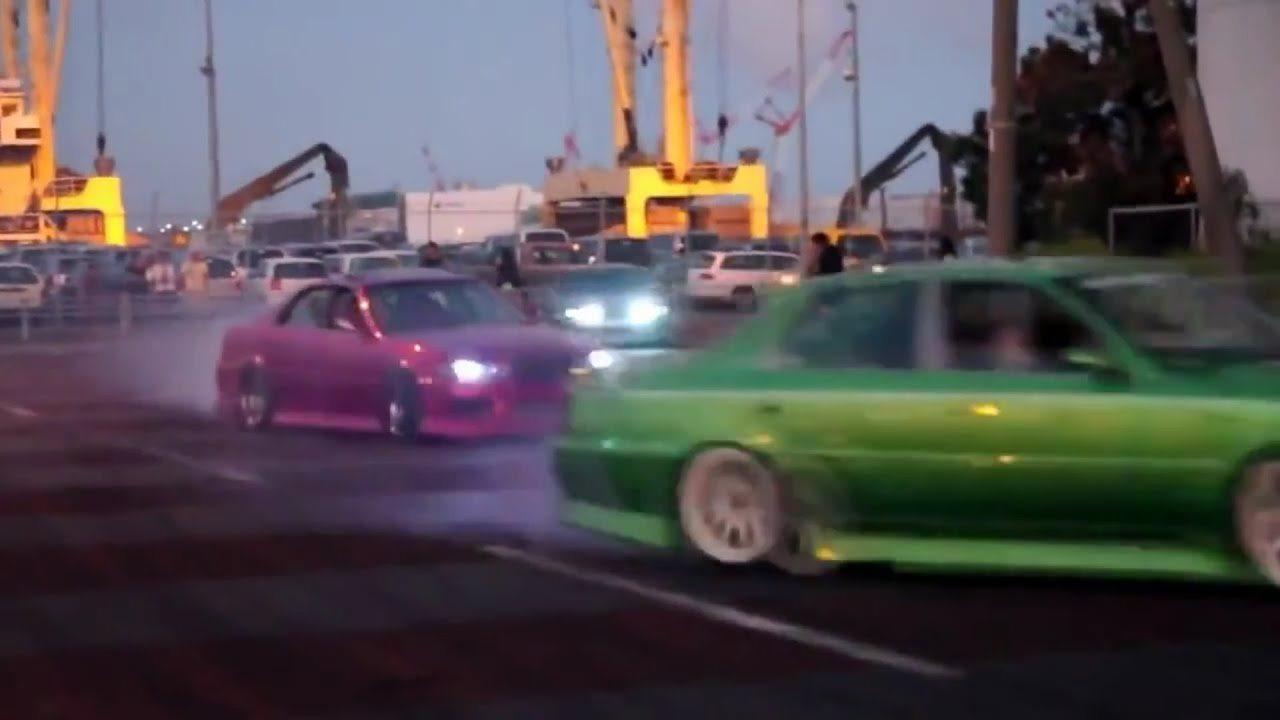 Illegal Street Drifting In Japan ????????