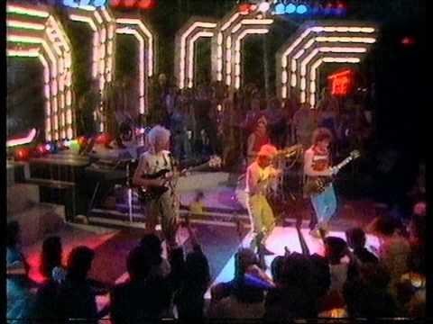 Kajagoogoo - To Shy (hush hush eye to eye) Top Of The Pops 1983