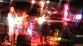 Incense And Peppermints (Strawberry Alarm Clock) performed by Mello...