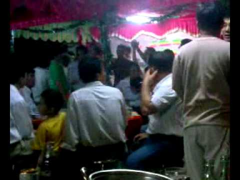 dam cuoi choi nhac dance.3gp