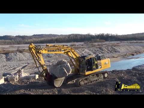 Komatsu PC360NLC 11 Excavator Lay Big Stones