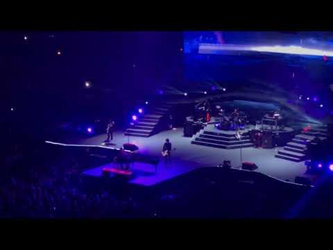 """Guns N' Roses - """"November Rain"""" Live - United Center Chicago, IL 11/6/2017"""