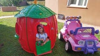 Elif domuz peppa ve arkadaşları ile çilek evde oynuyor