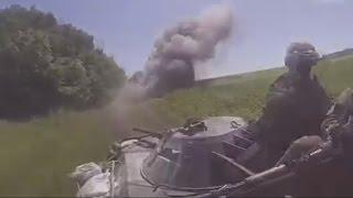 Украина.БТР наехал на мину.Колонна сил АТО.Террористы разбрасывают мины по всему Донбассу