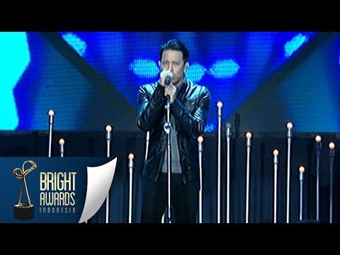 Noah Medley Lagu 'Tak Lagi Sama' & 'Seperti Kemarin' [Bright Awards] [08 Mar 2016]