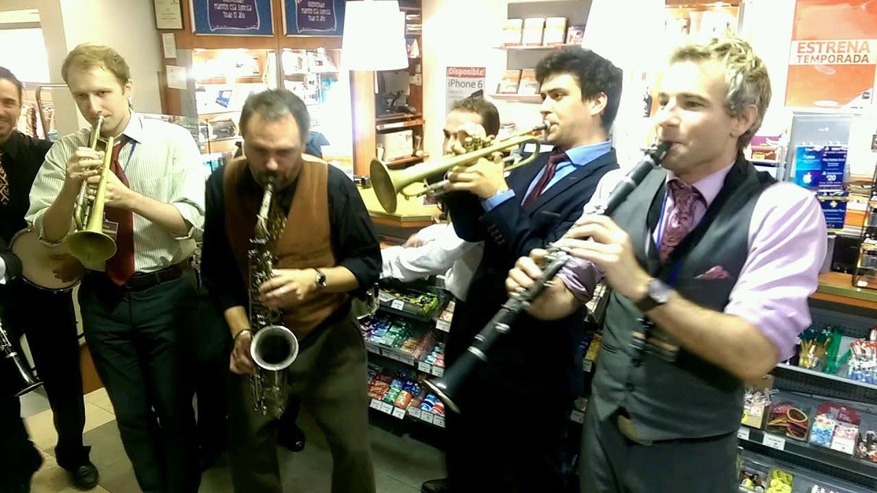 The World Jam - Supermarket Jam by Professor Cunningham & His Old School vs. Hot Sugar Band