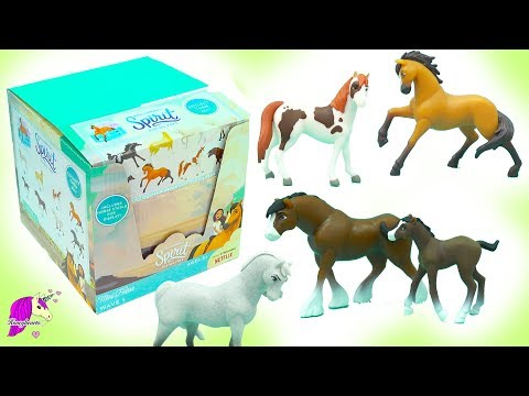 Dreamworks Spirit Riding Free Stallion Horse Surprise Blind Bags Full Box Unboxing